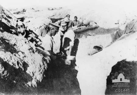 sodiers in trench gallopoli